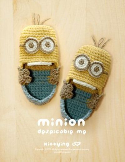 Minion Despicable Me Baby Booties Crochet PATTERN, PDF / crochet ideas and ti...