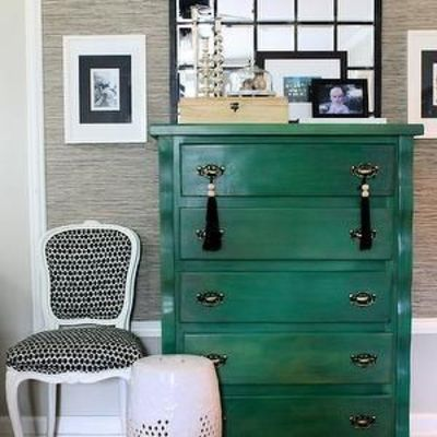 The Hunted Interior Entrances Foyers Kelly Green Chest Gray