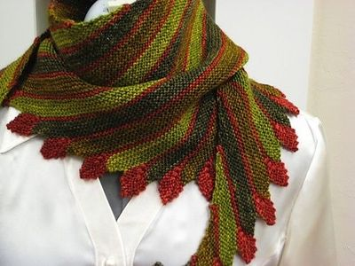 Knitting Patterns For Leftover Wool : from ravelry. leftie scarf by bluebutton. leftover sock yarn... / knits and k...