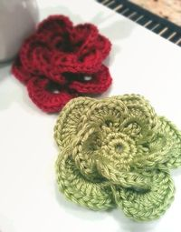 Wagon Wheel Flower: Free Pattern and Video Tutorial