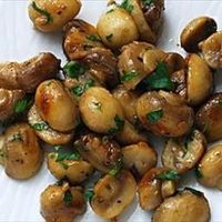 Butter/Garlic Mushrooms by bigoven: Something magic happens when butter and mushrooms get together. #Mushrooms #Butter Garlic Mushroooms - Click image to find more fruits and vegetables Pinterest pins