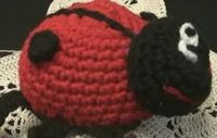 Free amigurumi patterns and tutorials with left hand versions shown too!