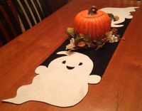 DIY super simple felt halloween table runner (free Instructions and template)
