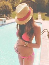 Summer pregnancy photo! So cute! Megs your so cute and little I totally can see you in this! :)