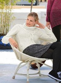 Roll Neck Sweater Knitting Pattern size SXL English di tatsy, $3,50