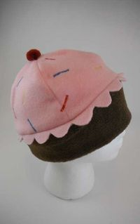 Cupcake hat for my little bite sized cupcake