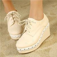 laciness wedges - beige