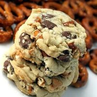 pretzel + chocolate chips + peanut butter chips = magical cookies!! yum :)