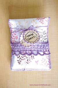 How-To: Beautiful gift bag made out of scrapbook paper with crochet edging