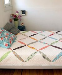 Flower Chain Simple and sweet, the Flower Chain quilt brightens a room like a fresh coat of paint. A new addition to the DSQ quilt pattern family