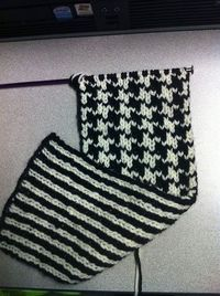 Double knit houndstooth/stripe pattern